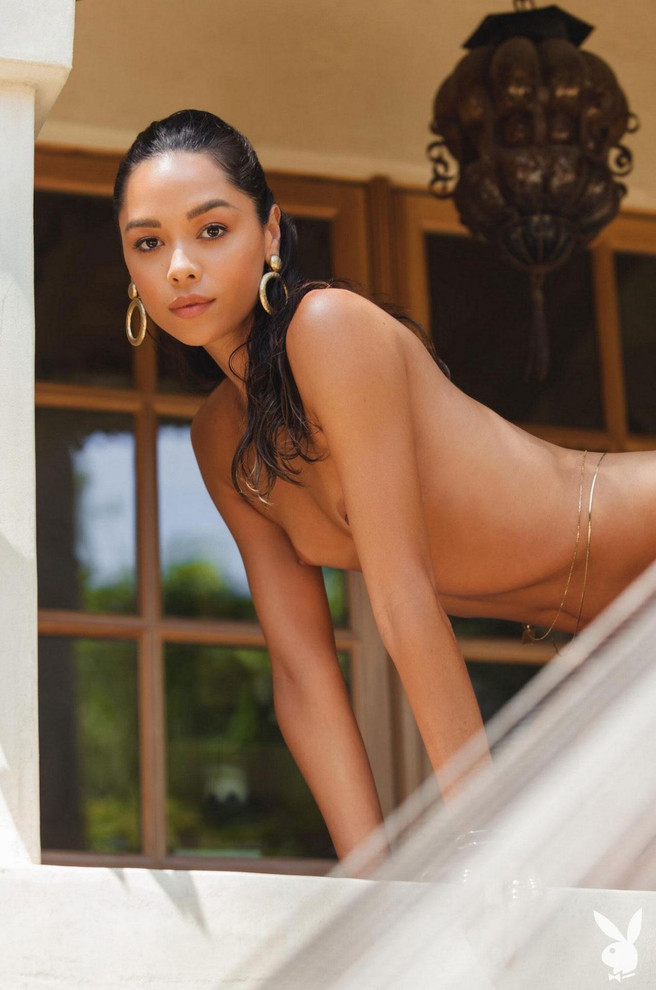 Девушка месяца Даниэлла Алькараз, Playboy США сентябрь 2020 / фото 07