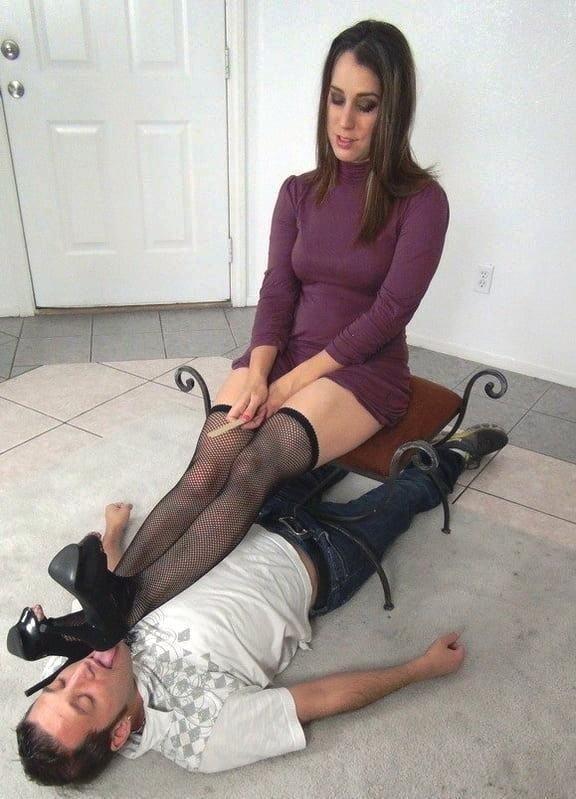 Victoria feet slave-8937