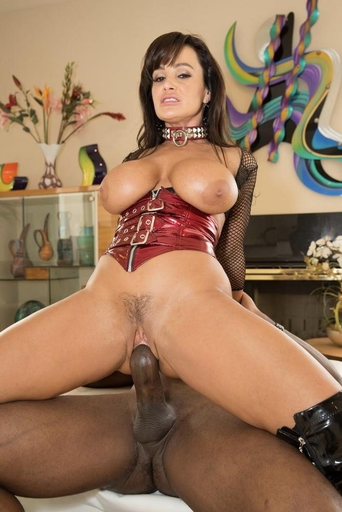 Lisa ann in naughty america-2387