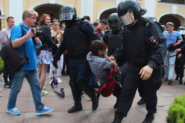 Как выглядели задержания в Санкт-Петербурге