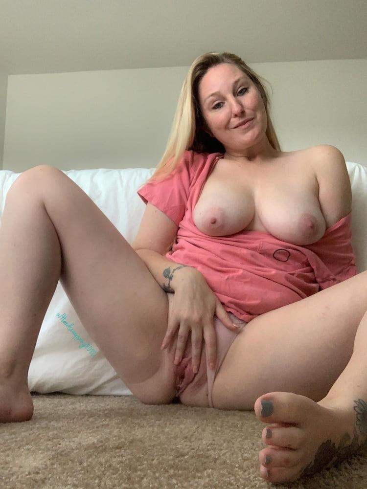 Curvy blonde milf pics-1011