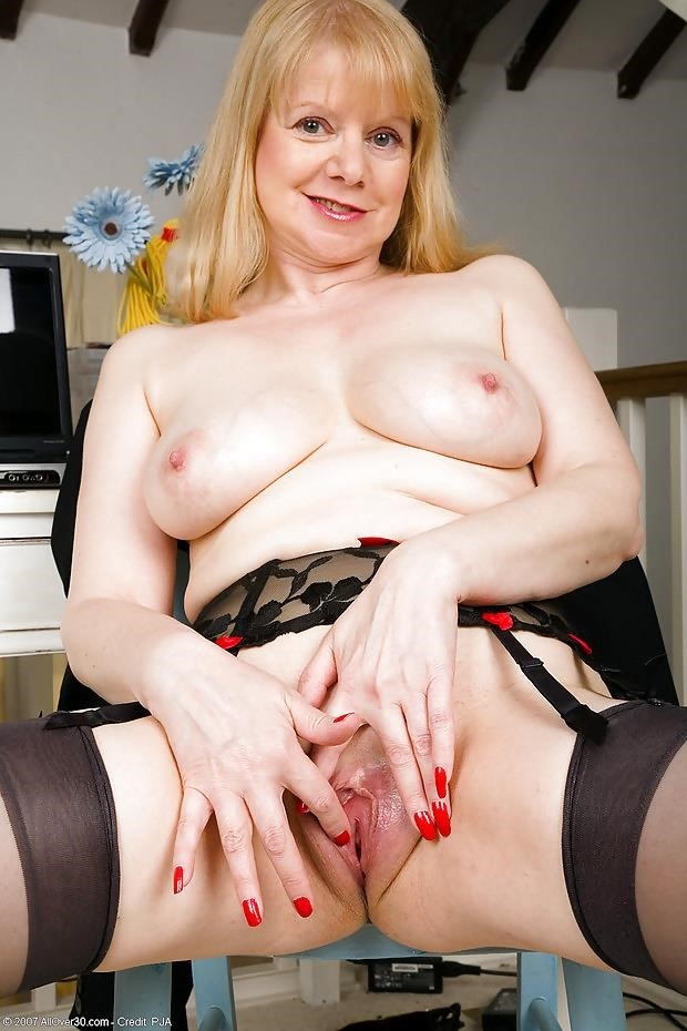 British mature porn models-8100