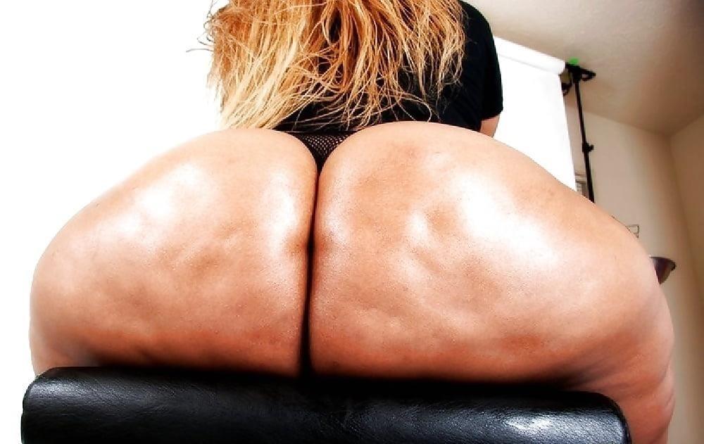 Perfect ebony booty-5027