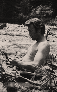 Clint Eastwood Gi5eHh8j_o