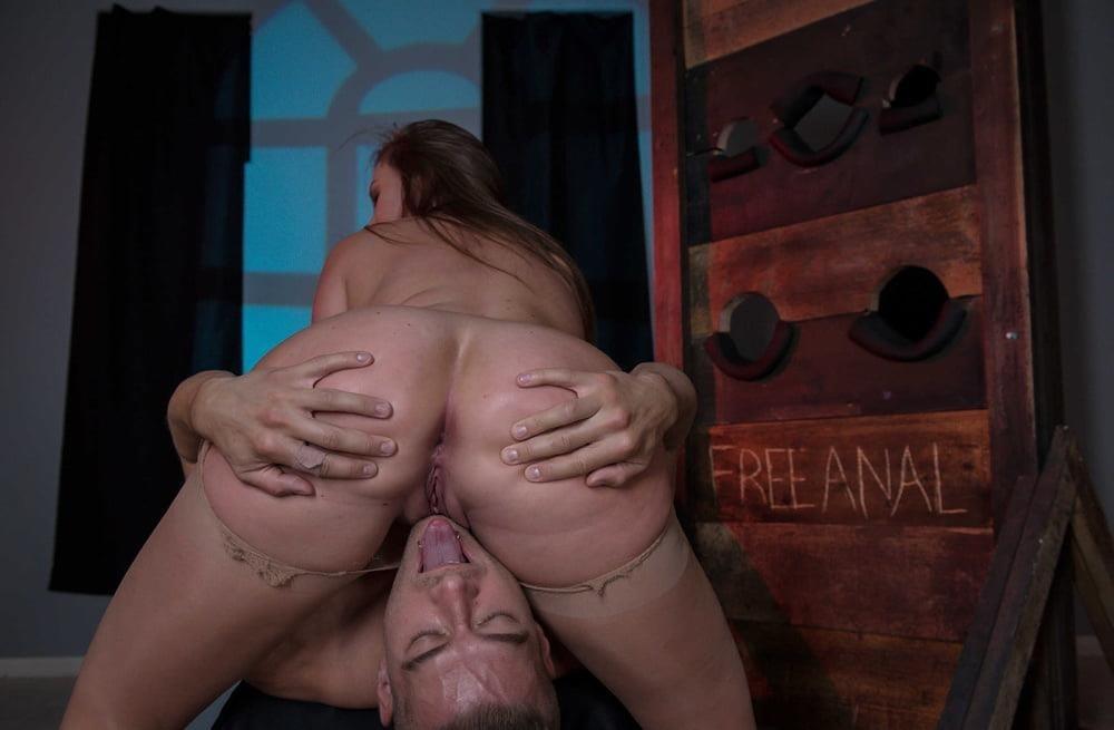 Free hot mom anal-4714