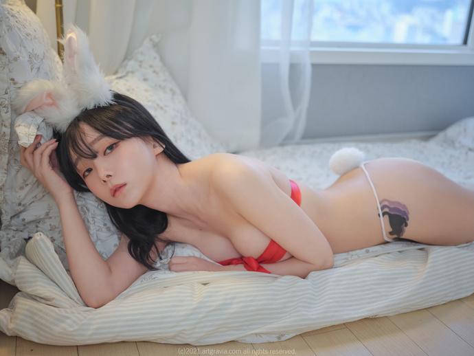 ARTGRAVIA姜仁卿-粉红丝带小白兔