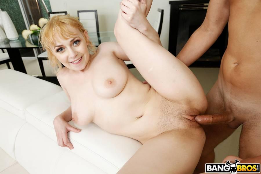 Ava Sinclaire, Leo Valentino – Newbie Shakes Her Natural Tits – BangBros 18 – BangBros