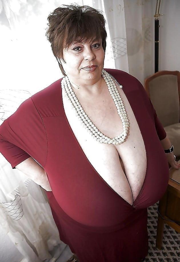 Busty granny porn pics-9132
