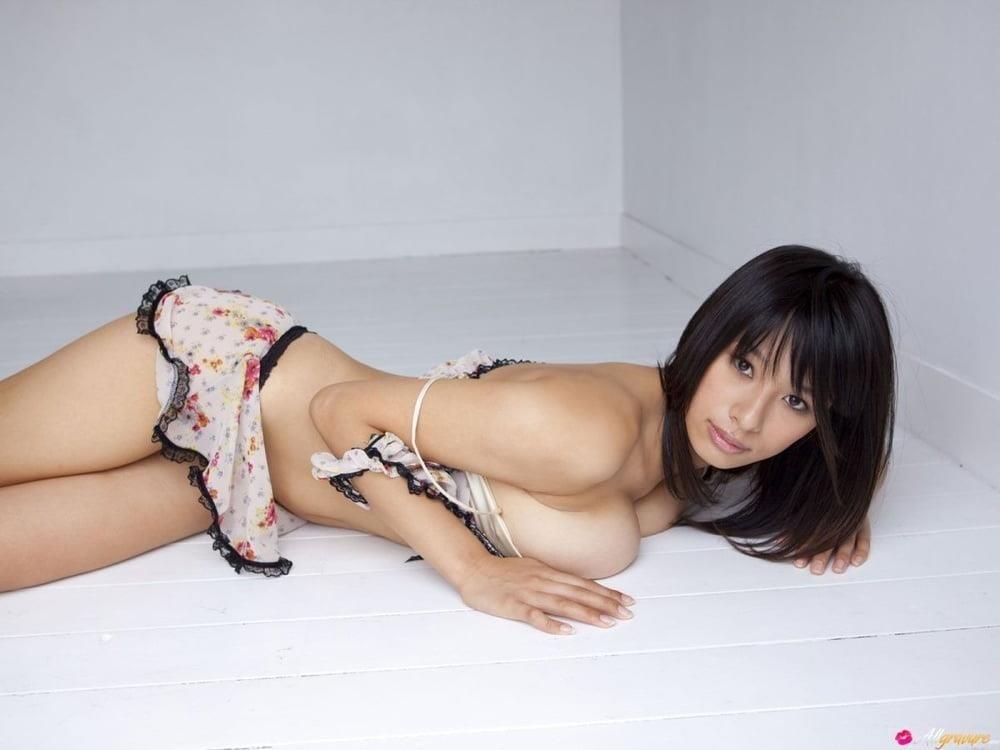 Public tits porn-4904