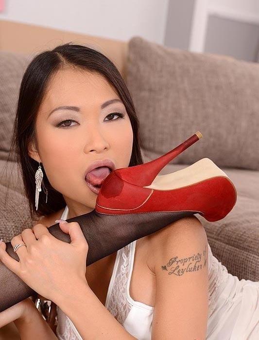 Raylene lesbian feet-8946