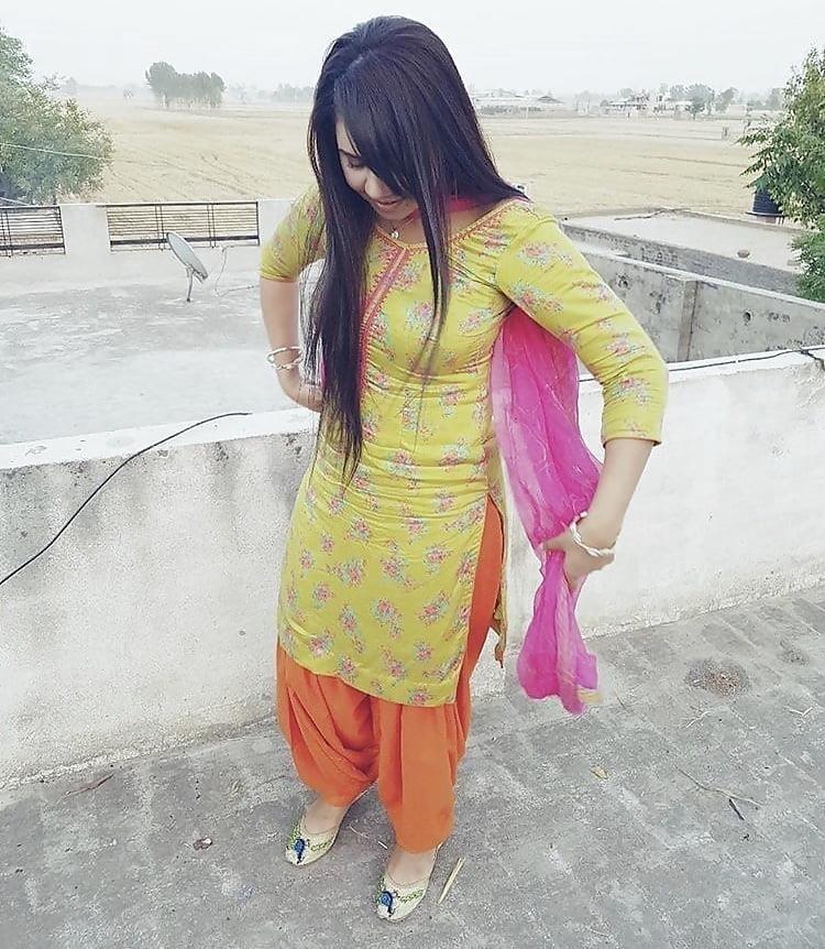 Sexy punjabi girls pic-3410