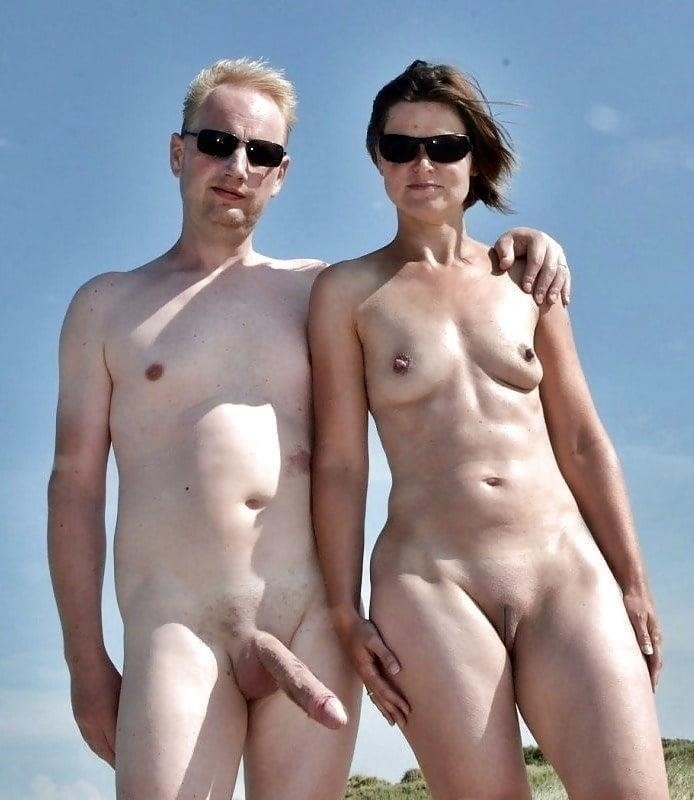 Mature couples copulating-6308