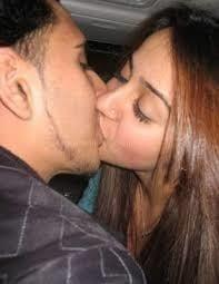 Desi kissing girl-2011