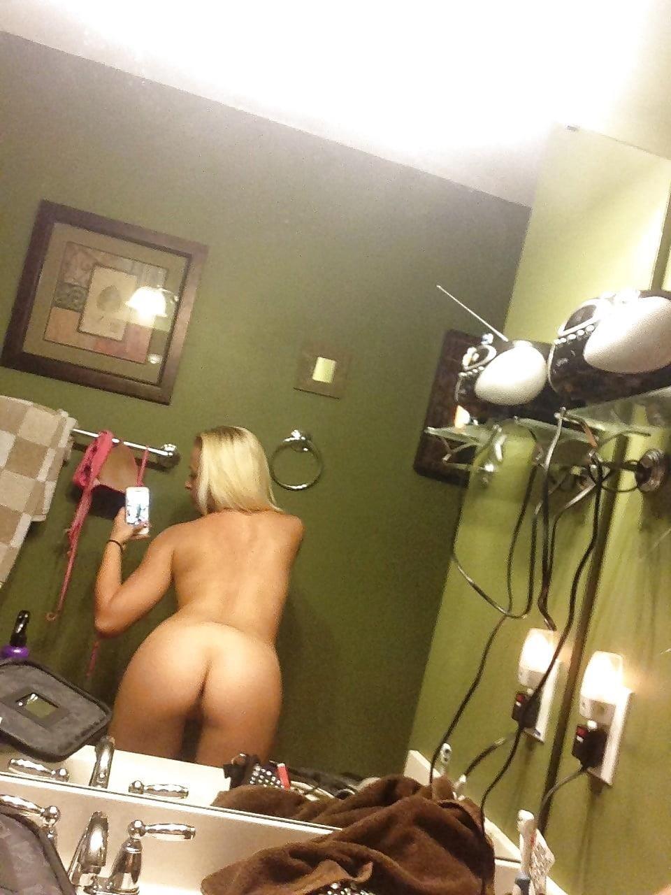 Blonde teen nude selfie-8886