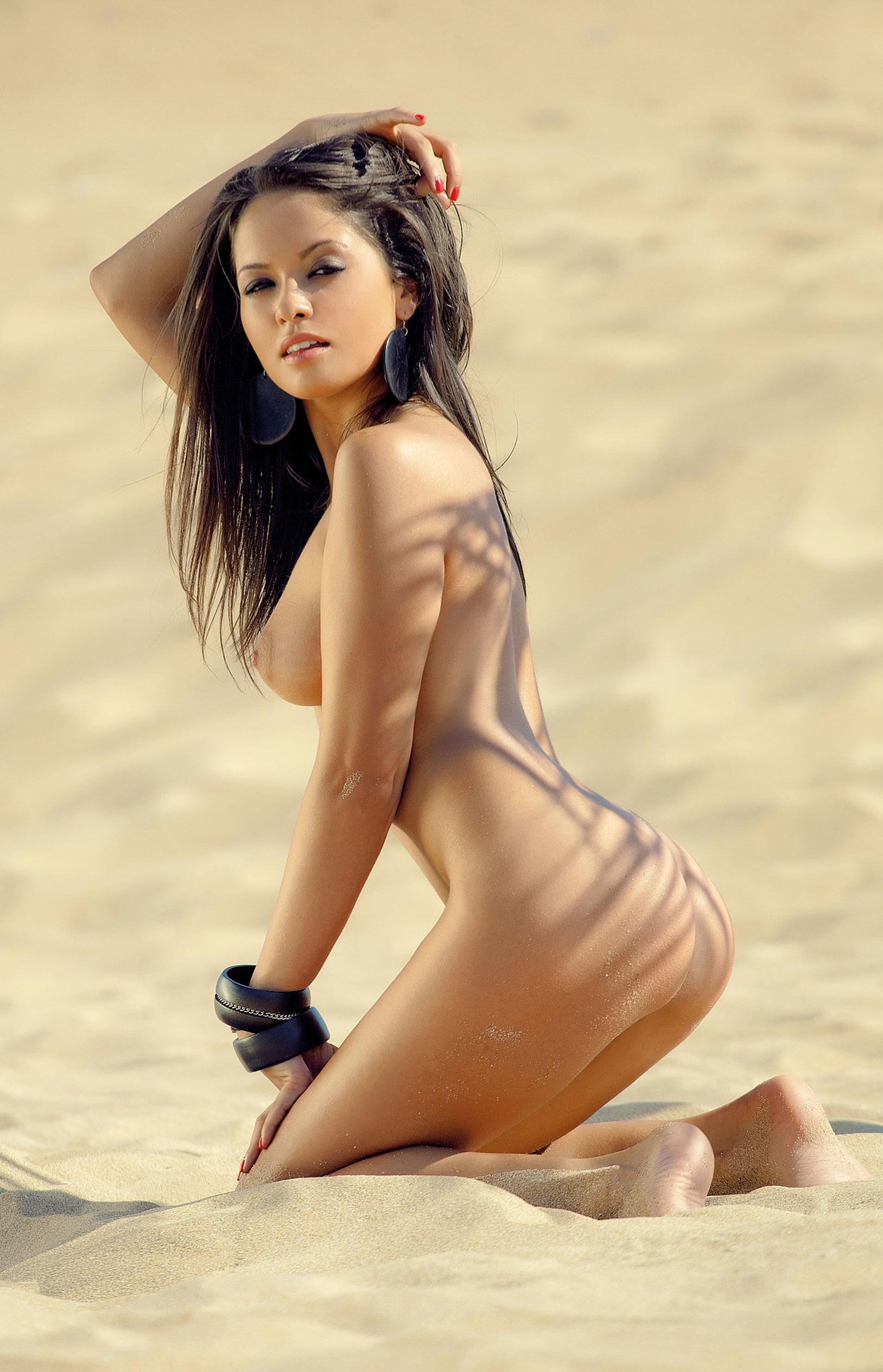Благовеста Бонбонова - Девушка месяца в Playboy Германия, март 2013 / фото 16