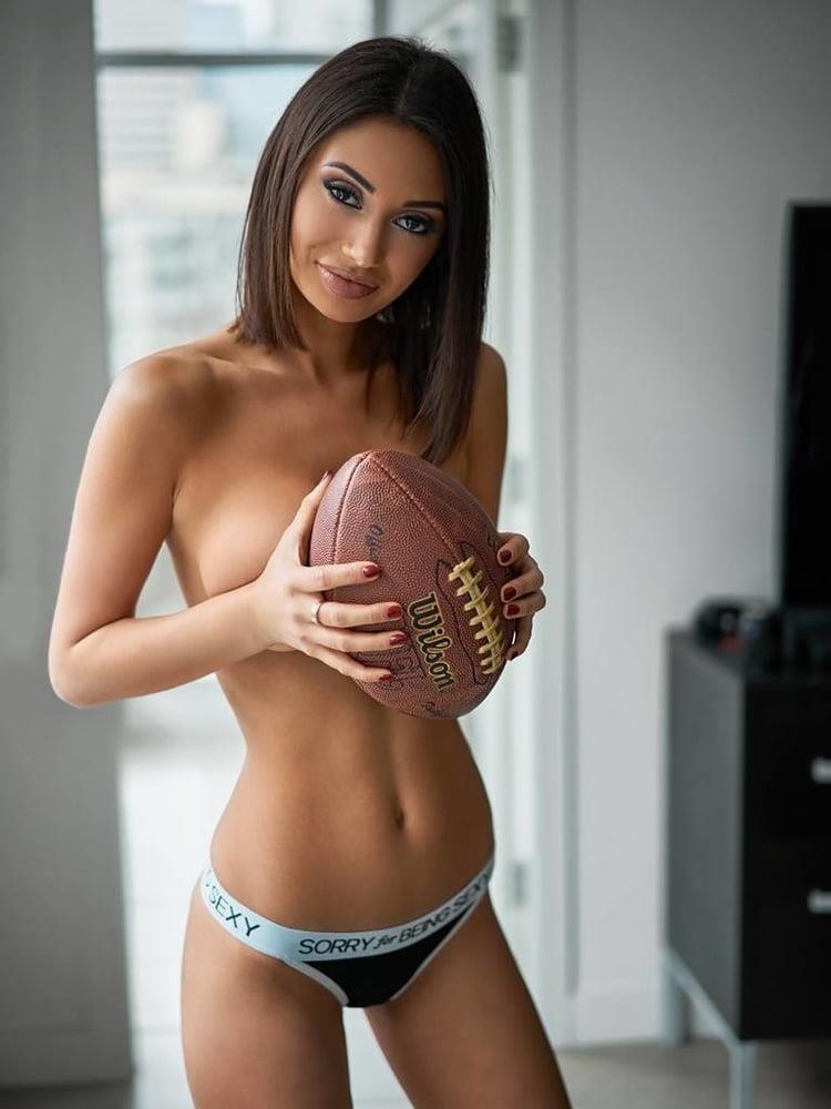 Cute nude big boobs-6915