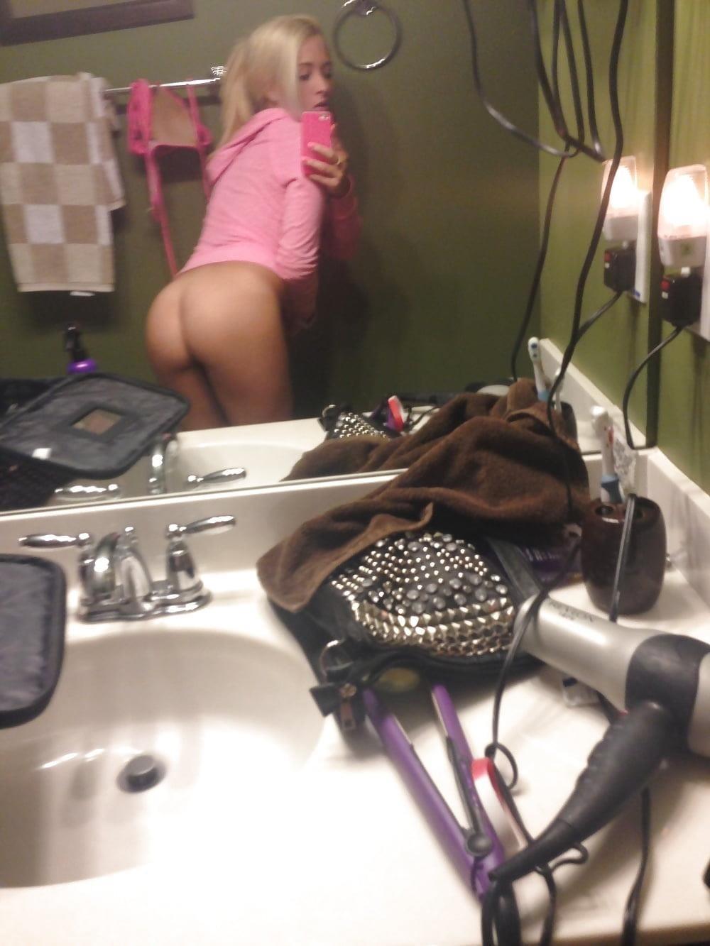 Blonde teen nude selfie-2688