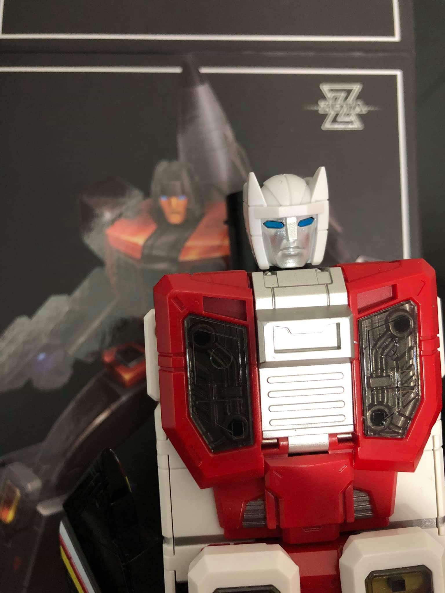 [Zeta Toys] Produit Tiers - Kronos (ZB-01 à ZB-05) - ZB-06 Superitron - aka Superion - Page 4 LdSIhU70_o