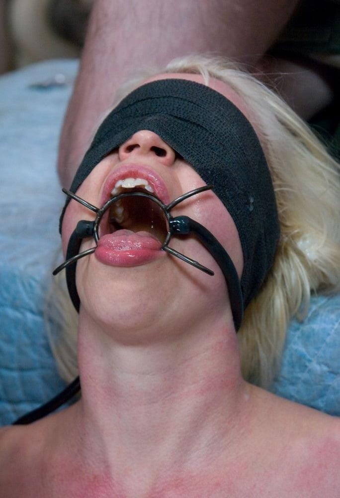 Open mouth bukkake-2022