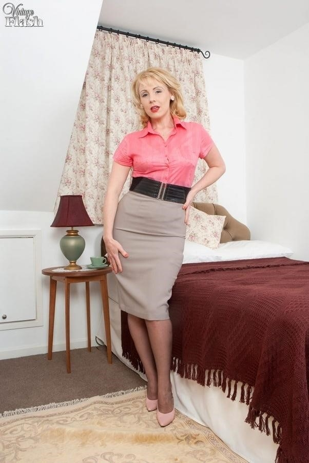 Genuine leather pencil skirt-4668