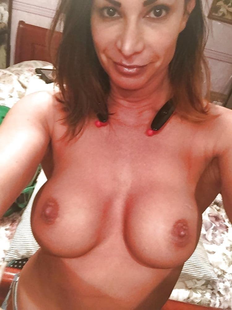 Nude pics of female wrestlers-9908