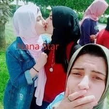 Desi kissing girl-6711