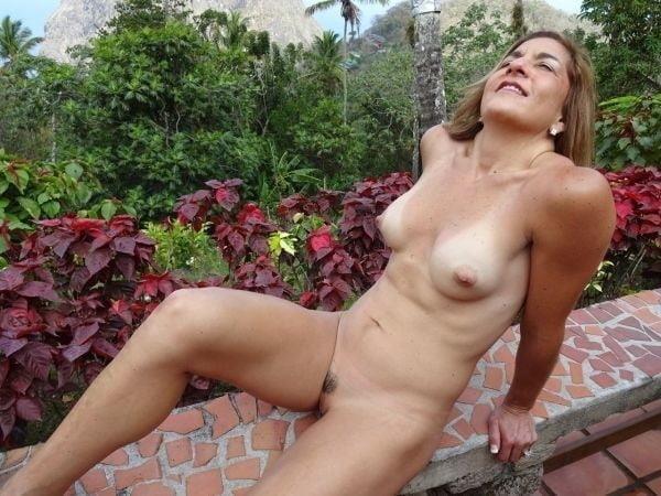 Free pics naked mature women-5398