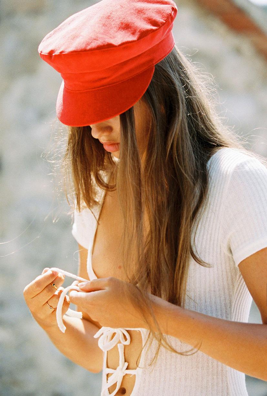 Кассандра в модных шляпках бренда Lack of Color / фото 21
