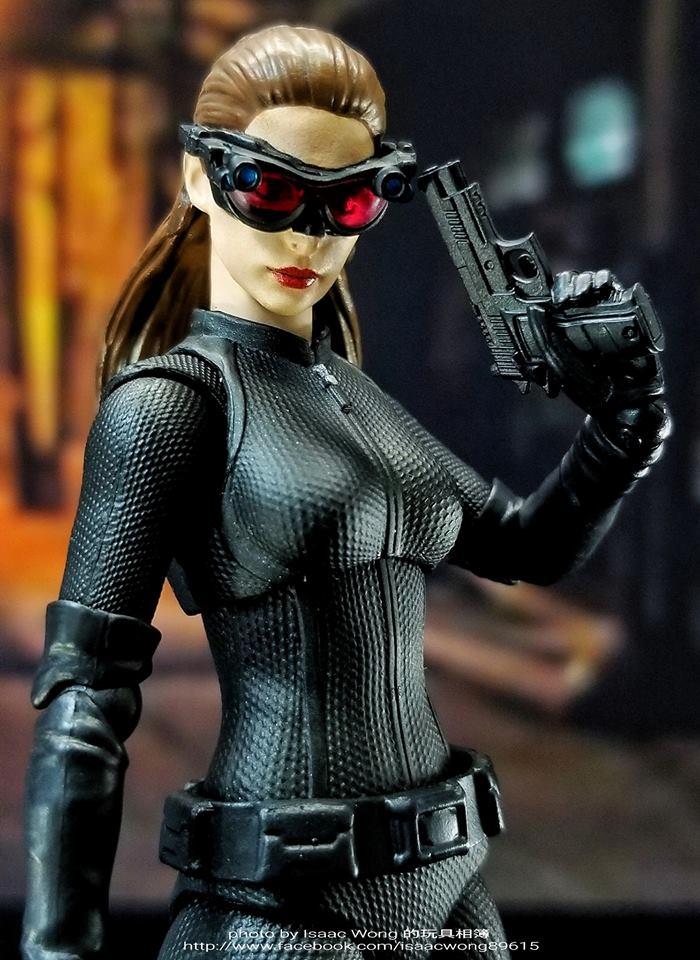 Catwoman - Batman The Dark Knigh rises - SH Figuarts (Bandai) 0lXmxhgX_o
