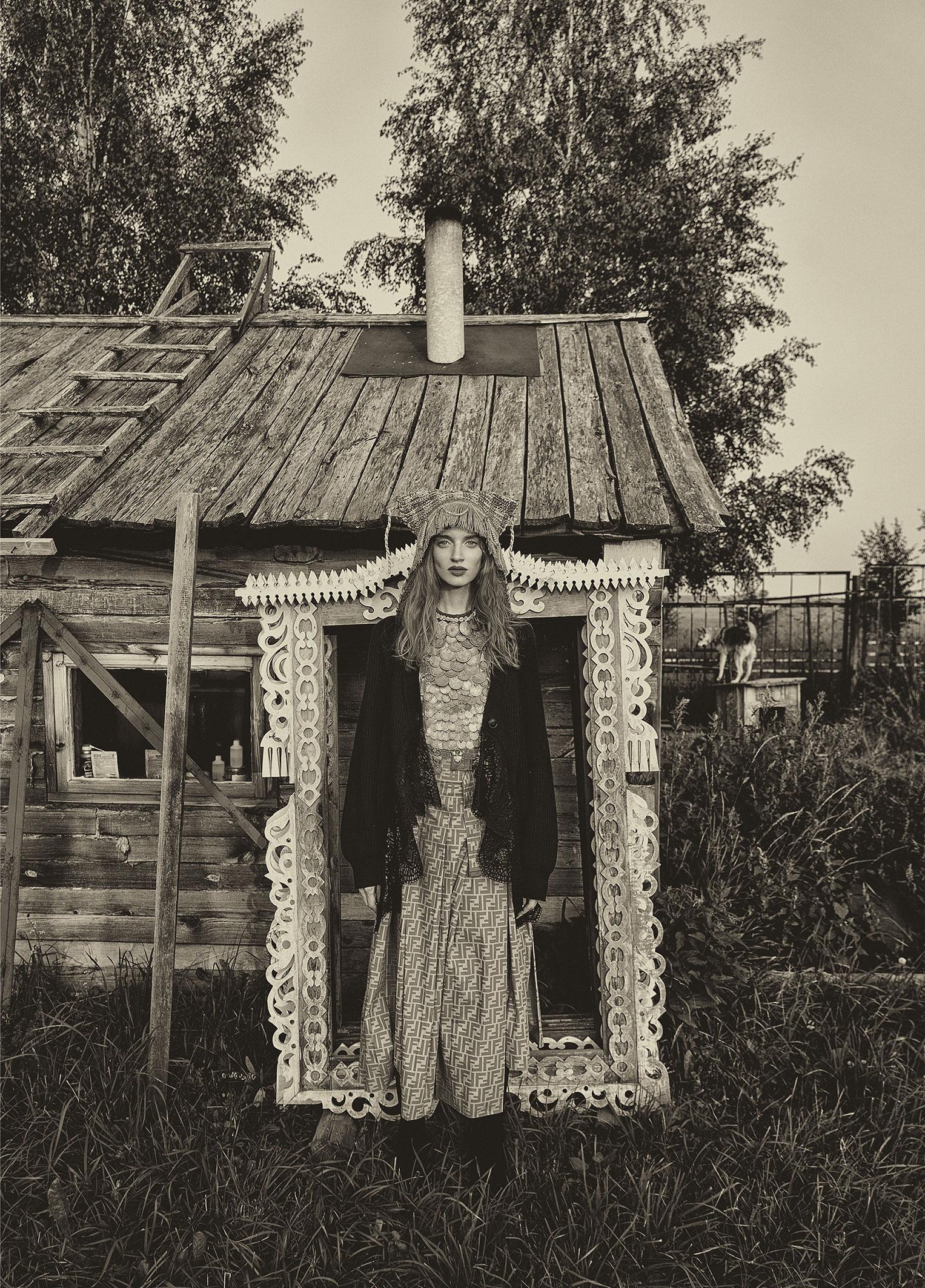 Модные наряды в деревенских интерьерах / фото 18