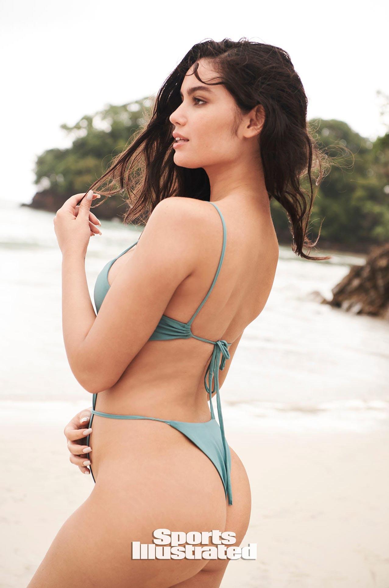 Энн де Паула в каталоге купальников Sports Illustrated Swimsuit 2020 / фото 27