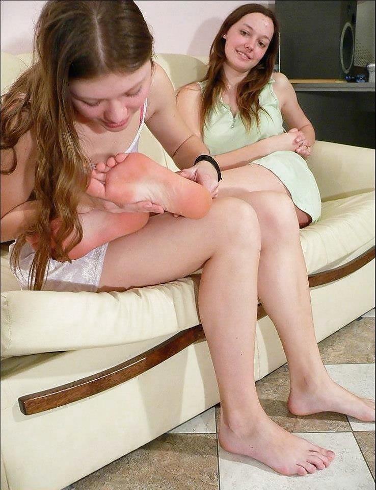 Japanese lesbian feet worship-5761