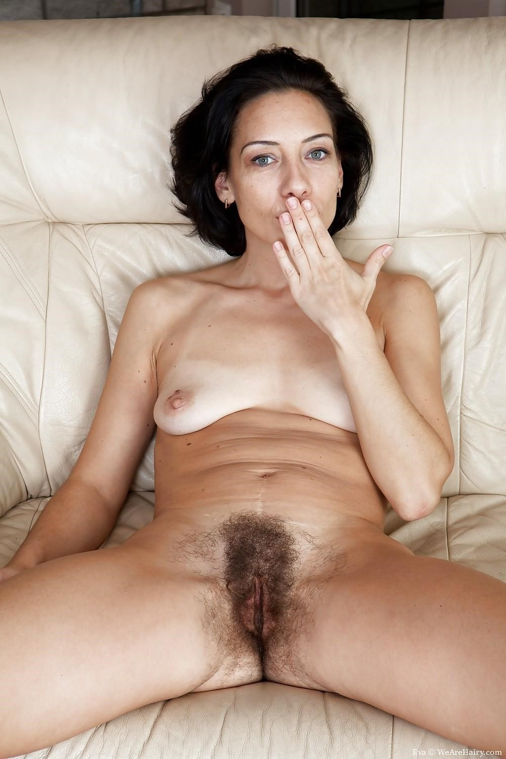 Hairy nude wives-8101