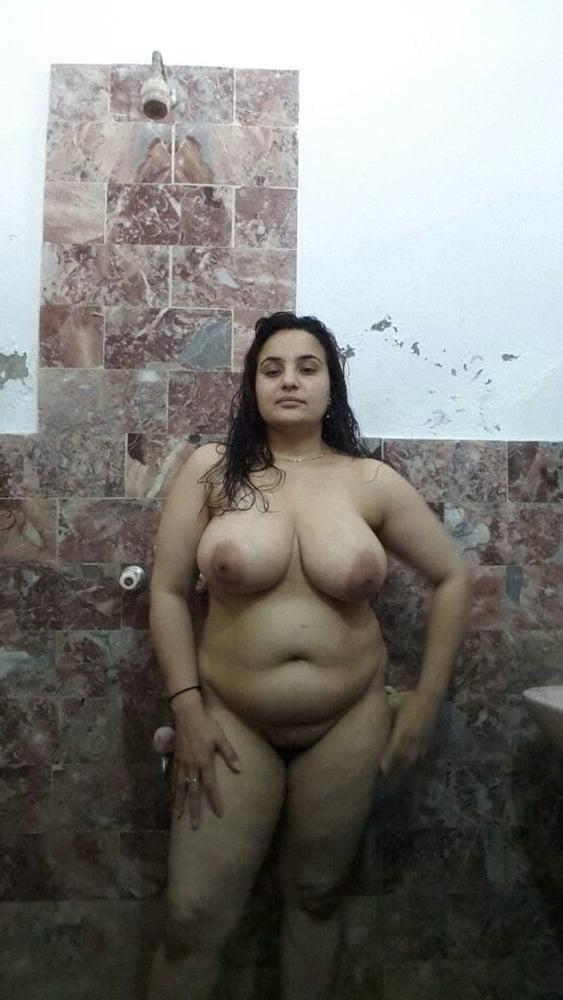 Big boobs lady pic-2897