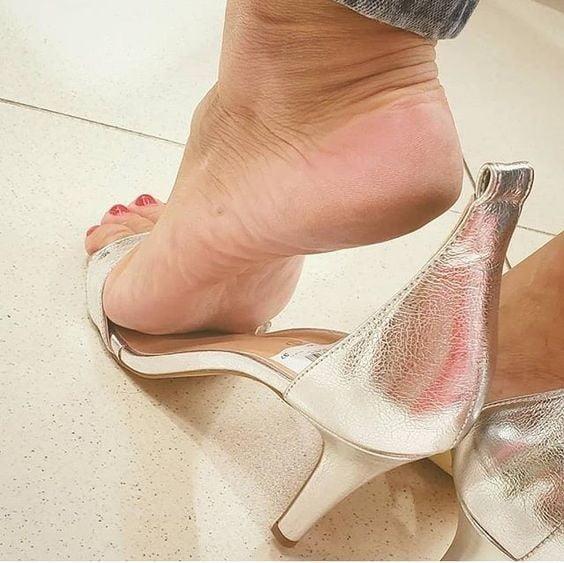 Sexy women feet porn-2835