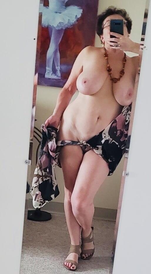 Mature naked milf-1418