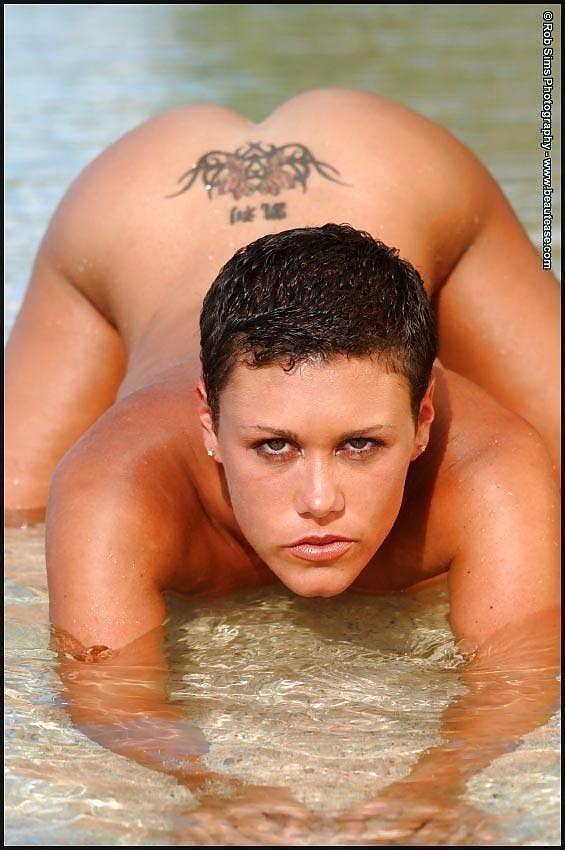 Beautiful fit naked women-8752