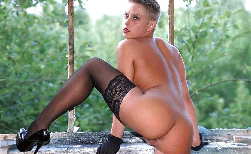 Short hair mature nude-2368