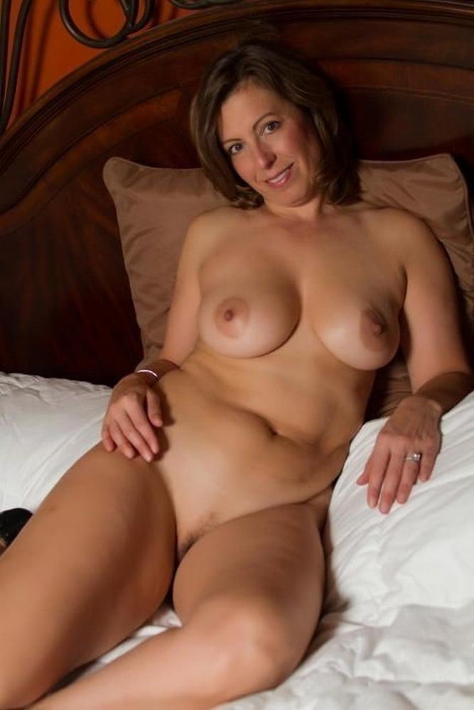 Free pics naked mature women-1162