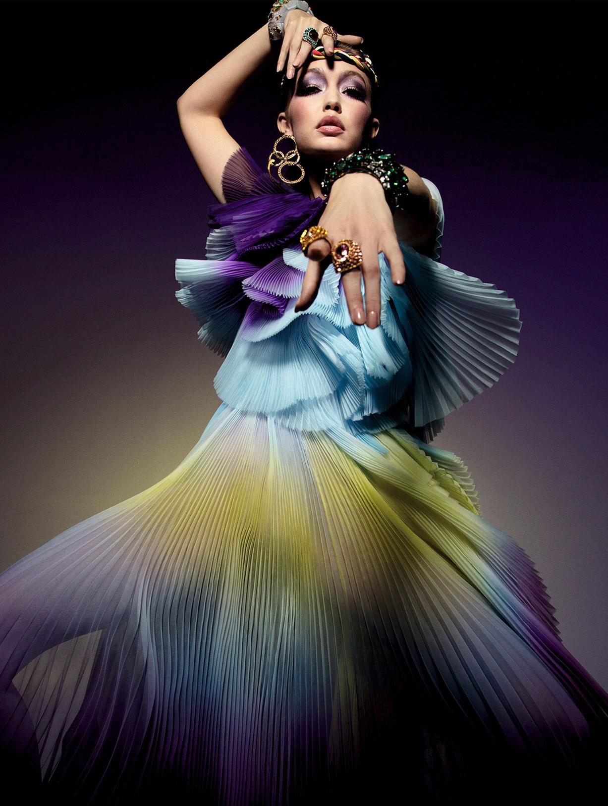 Vogue Paris May-June 2020 / Gigi Hadid, Bella Hadid, Rianne van Rompaey, Vaughan Ollier / фото 16