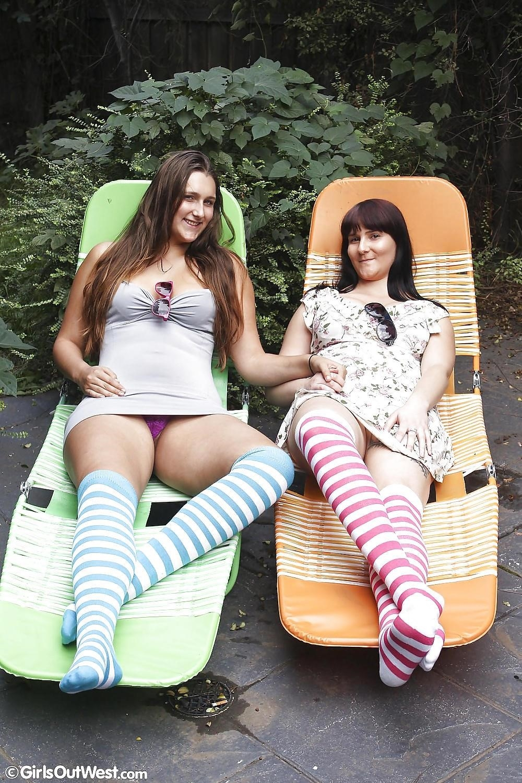 Hot lesbians making out-5761
