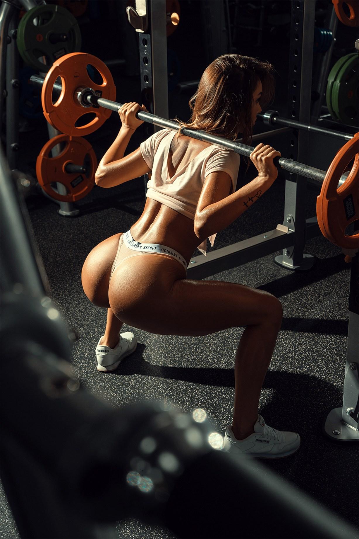 Strong girl / Anastasiia Svirid by Arthur Kaplun