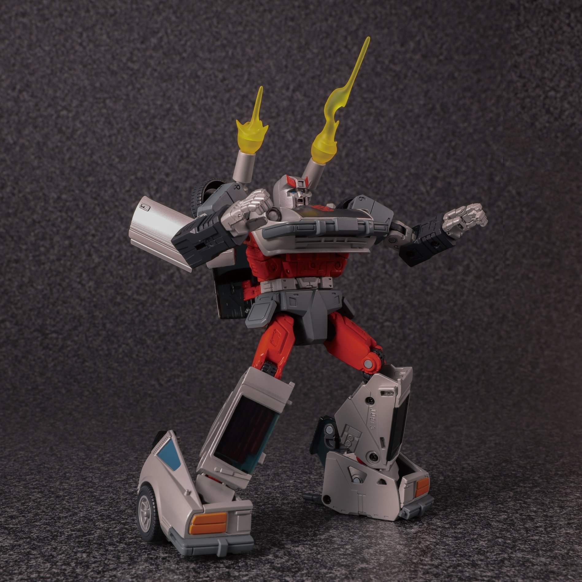 [Masterpiece] MP-18 Bluestreak/Jaseur - Page 3 DQjZE6ZC_o