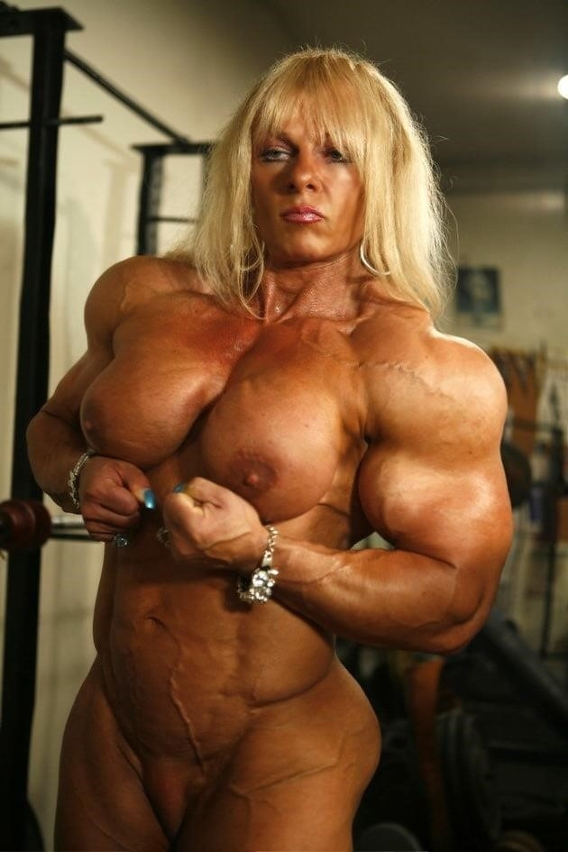 Body builders clits-6808
