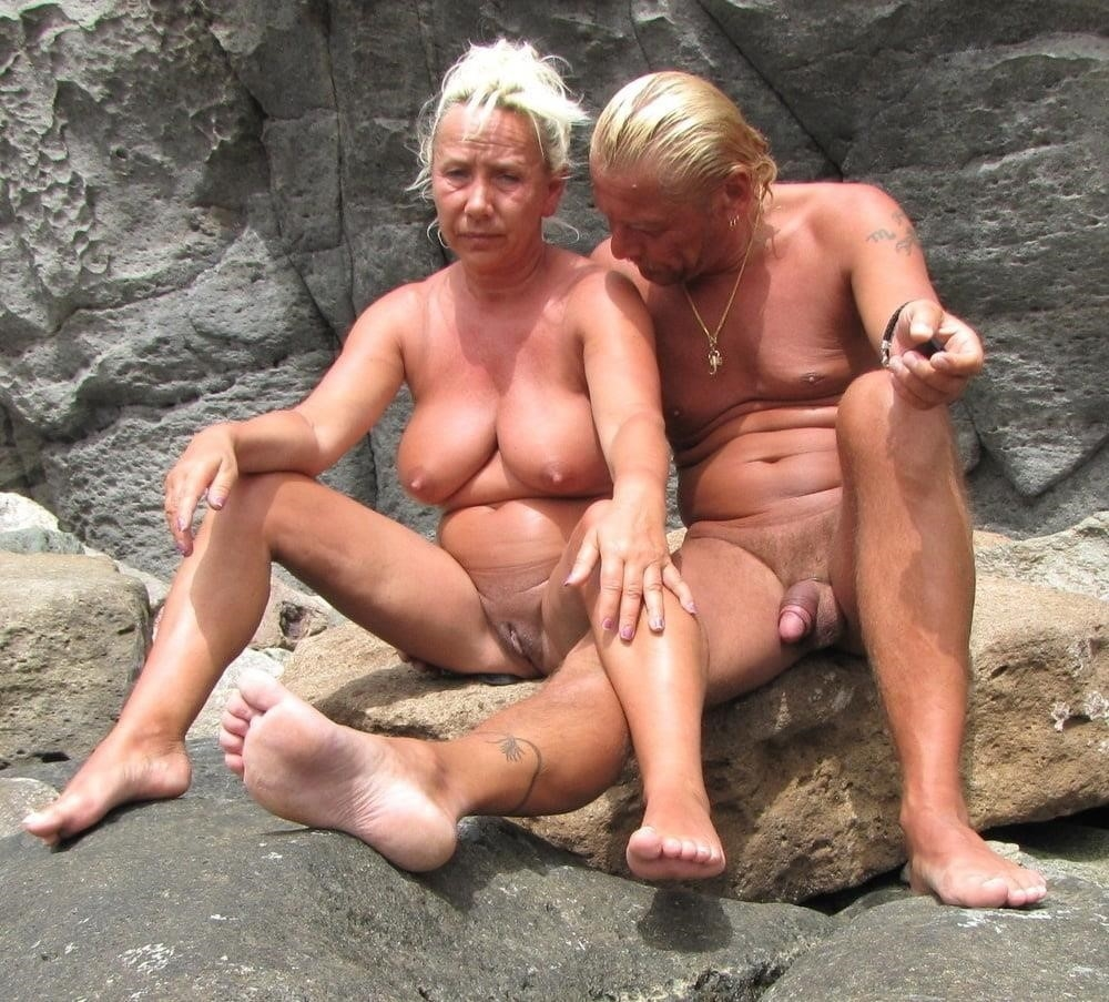Mature couples copulating-3290