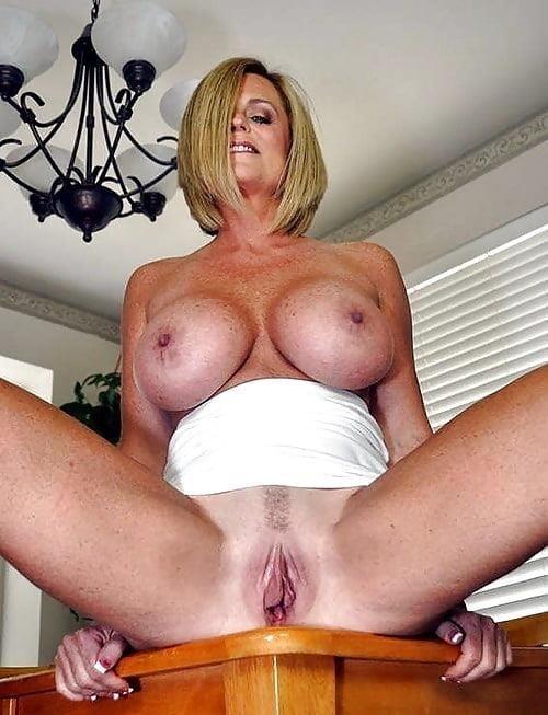 Free mature porn vid-4889