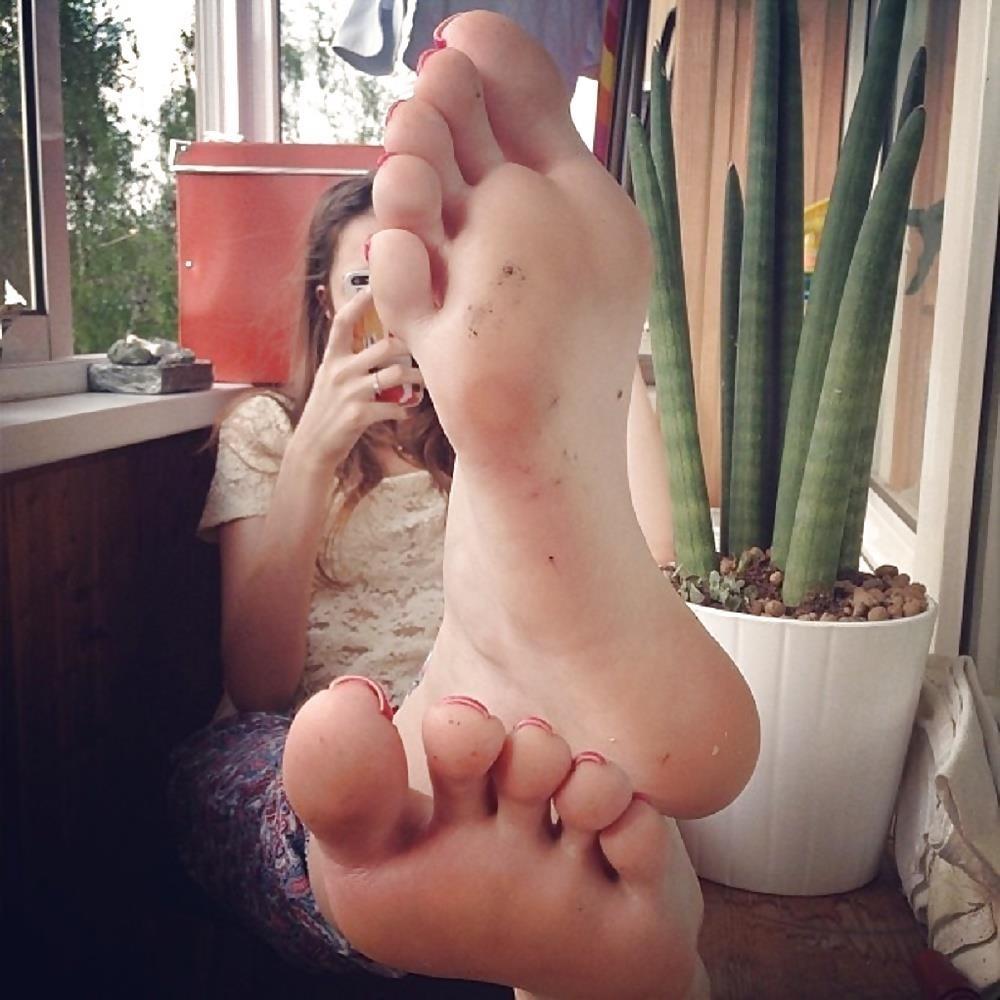 Hot foot femdom-9140
