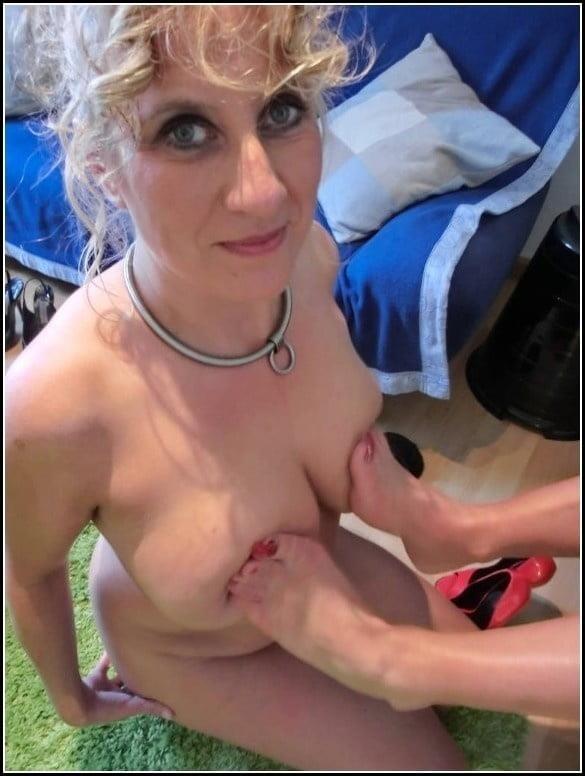 Woman foot slave-6726