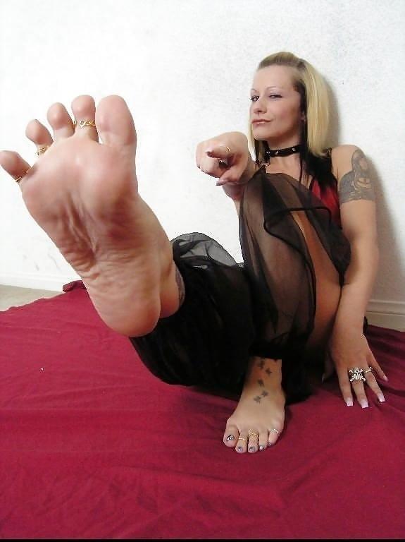 Worship my sweaty feet-8097