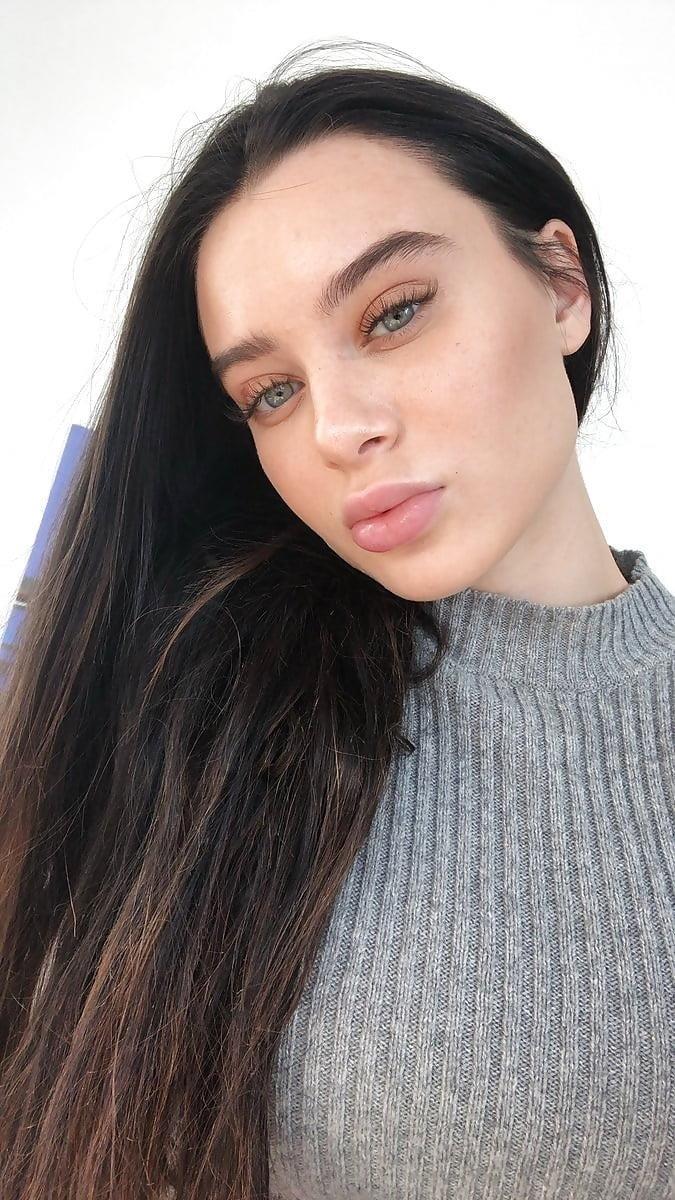 Lana rhoades naked selfie-3174